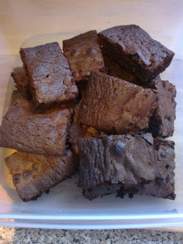 I've baked Chocolate Brownies today - to cheer me up after nasty salesmen and malicious Goodreads, hurrah!