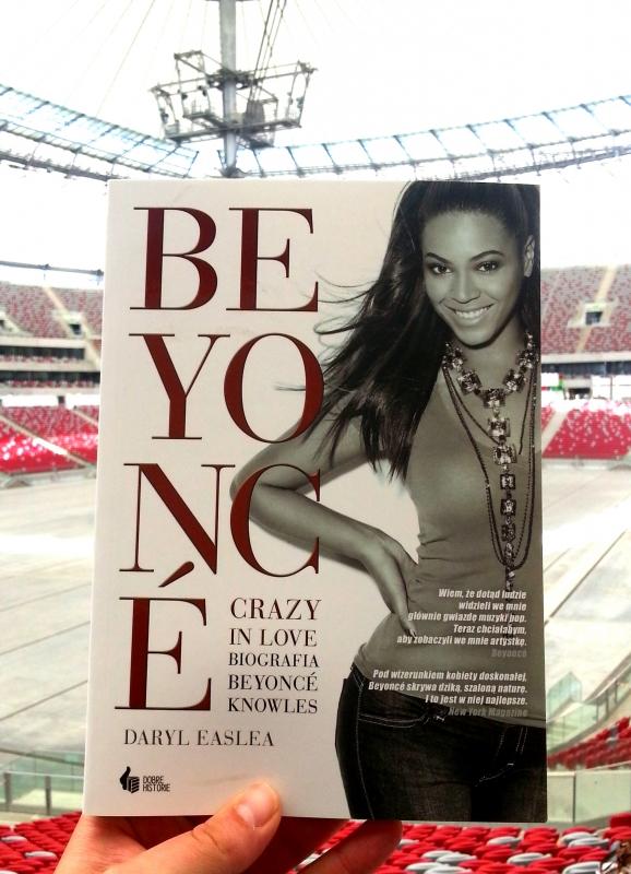 Na stadionie - przed pierwszym koncertem Beyonce w Polece.