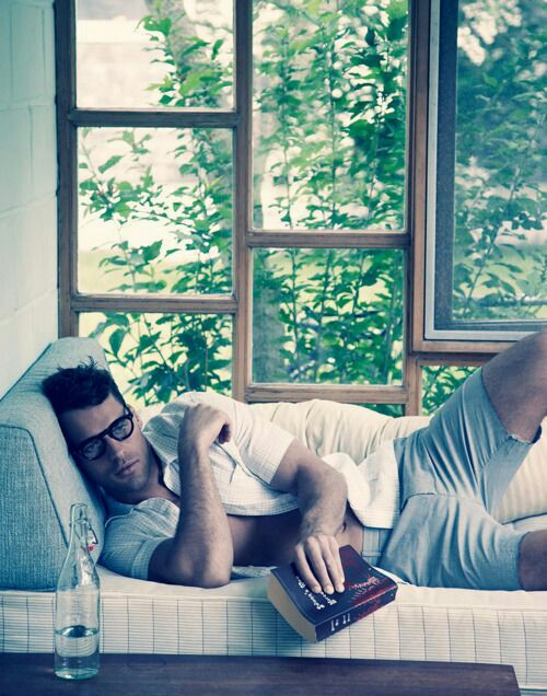 Hot Dudes Reading, #25