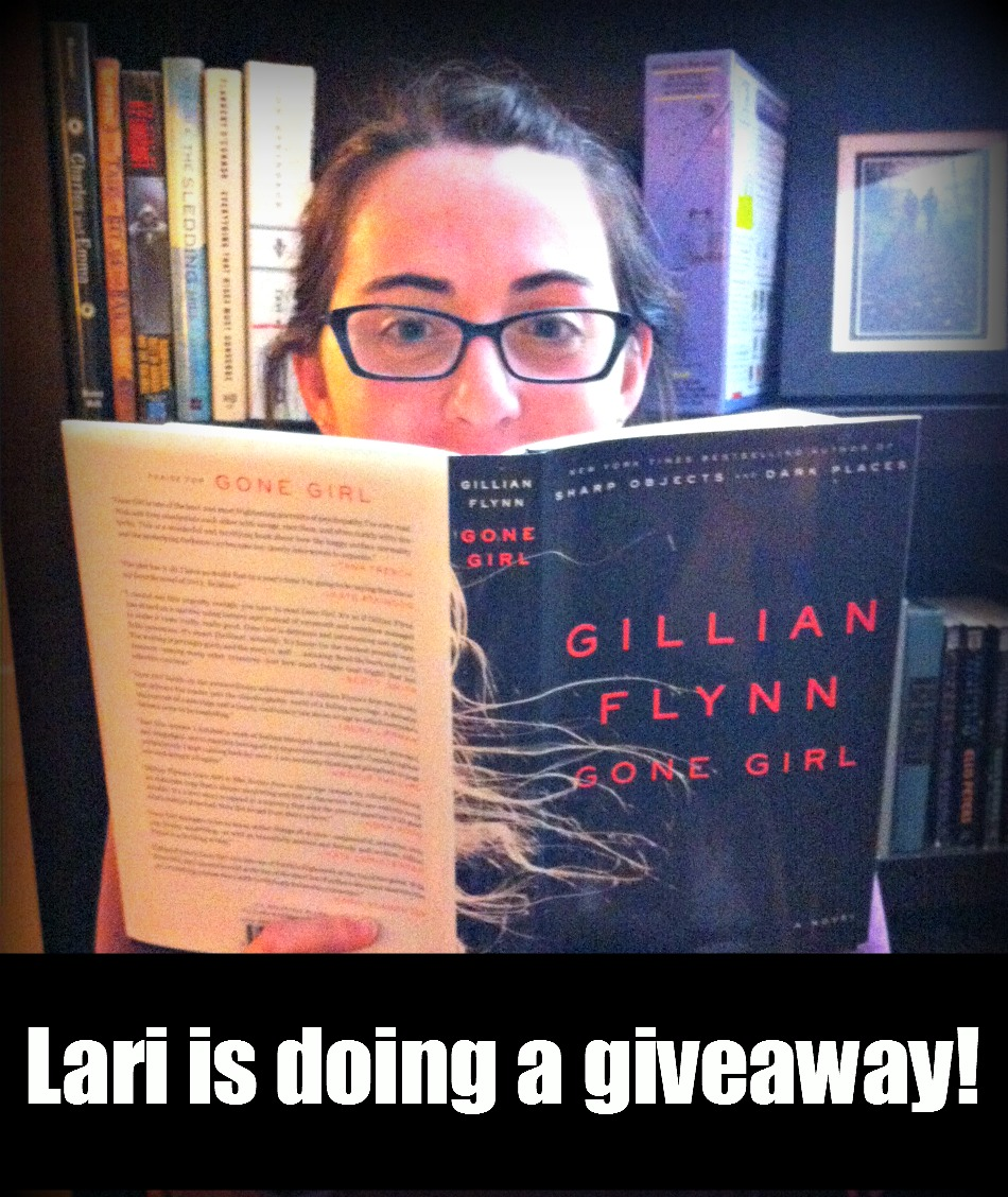 Lari is doing a giveaway!