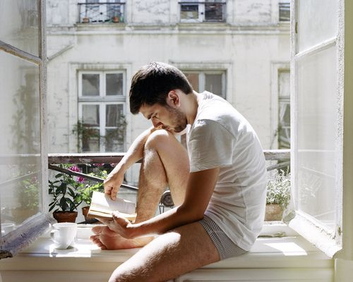 Hot Dudes Reading, #17