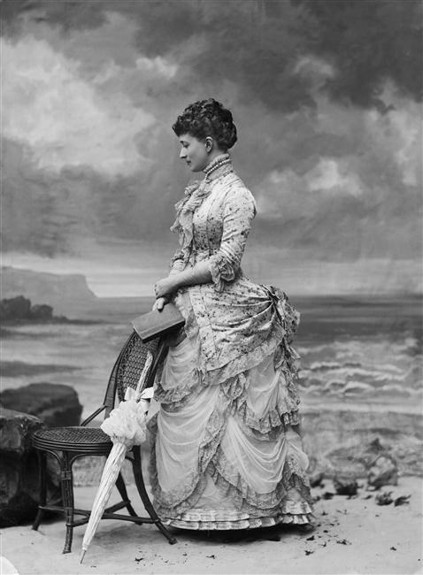 Hélène Standish, 1882