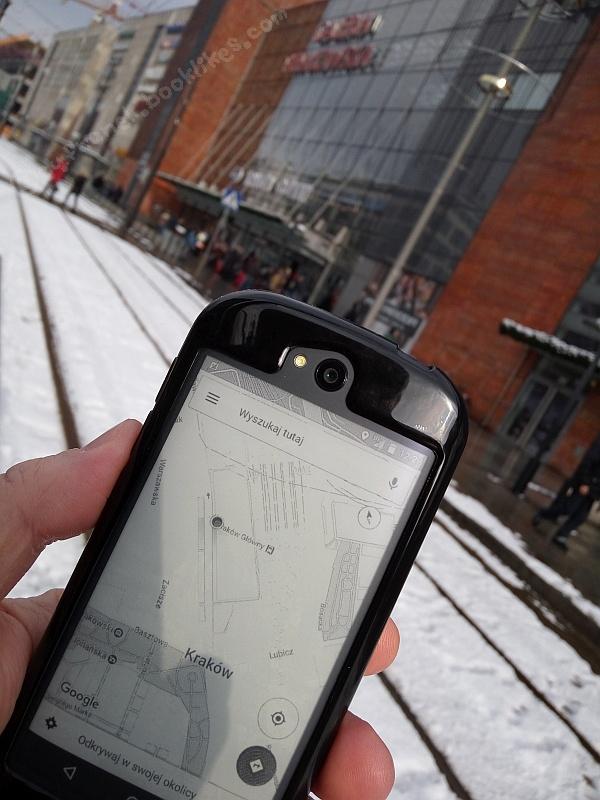 Google Maps na YotaPhone 2