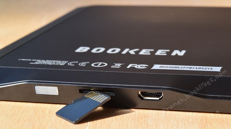 Cybook Muse Frontlight - gniazdo kart microSD