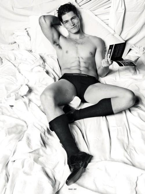 Hot Dudes Reading, #14