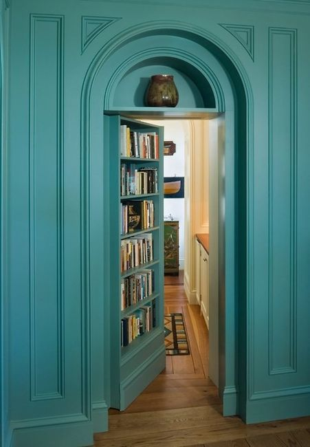 Hidden room.....to keep more books!