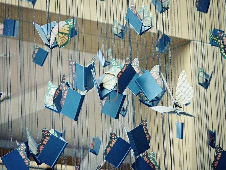 Books Amp Strings Incredible Installations Of Hanging