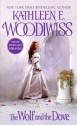 Wolf and the Dove - Kathleen E. Woodiwiss