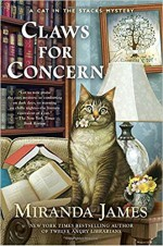Claws for Concern (Cat in the Stacks Mystery) - Miranda James