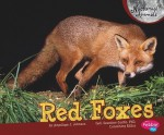 Red Foxes - J. Angelique Johnson, Gail Saunders-Smith